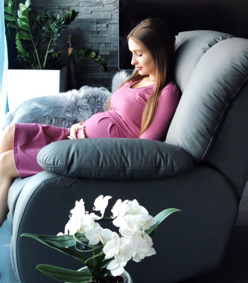 32c5bb77f0 Marka milk   love została założona przez mamę dla mam – aby ułatwić  karmienie. W swojej ofercie posiada różne rodzaje odzieży ciążowej